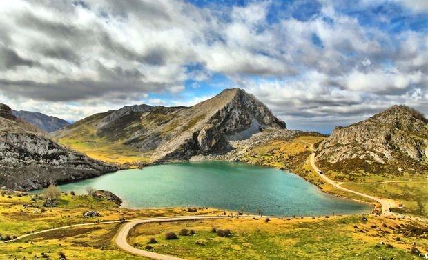 los-lagos-de-covadonga-_-lagos-enol-y-ercina