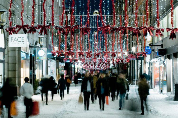 helena_wahlman-christmas_shopping-59-1200x797